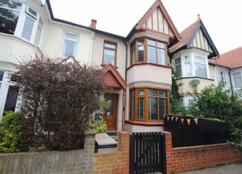 Silverdale Avenue, Westcliff-On-Sea, Essex SS0. 3 bed terraced house