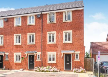 4 bed town house for sale in Hollybrook Mews, Yate BS37
