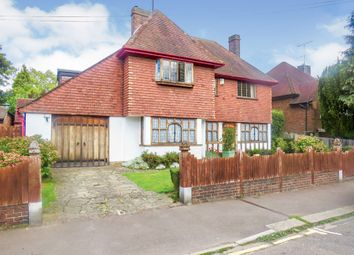 Thumbnail 5 bed detached house for sale in Lansdowne Road, Luton