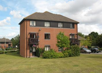 Thumbnail 1 bedroom flat to rent in Roebuck Court, Didcot