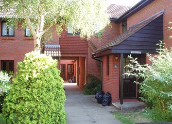 1 bed maisonette to rent in St. Johns Mews, St. Johns, Woking GU21