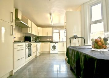 Thumbnail 6 bed terraced house for sale in Ashenden Road, Hackney