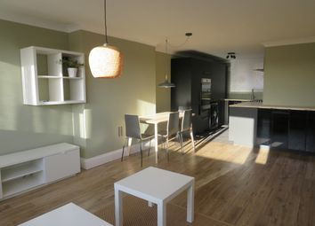 Thumbnail 3 bed flat to rent in Belmont Hill, St.Albans