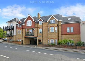 2 bed flat for sale in Oatlands Drive, Weybridge KT13