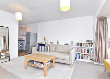 Thumbnail 1 bedroom flat for sale in Bredgar Road, Archway N19, London
