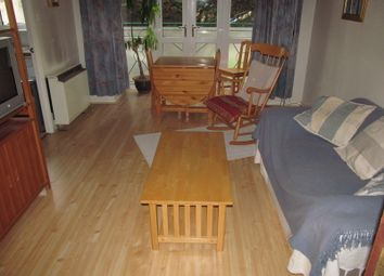 Thumbnail 1 bed flat to rent in Elizabeth Mews, Reading