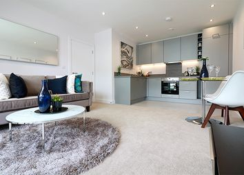 Thumbnail 2 bedroom flat for sale in Kennet Island, Reading