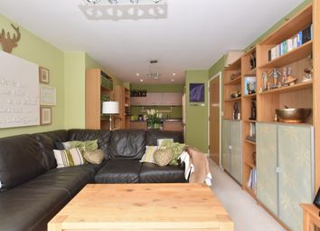 Thumbnail 1 bed flat to rent in Cross Street, Portsmouth