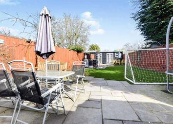 4 bed property for sale in Haynt Walk, London SW20