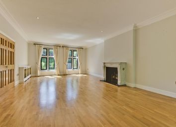Thumbnail 6 bedroom detached house to rent in Heatherbank Close, Cobham