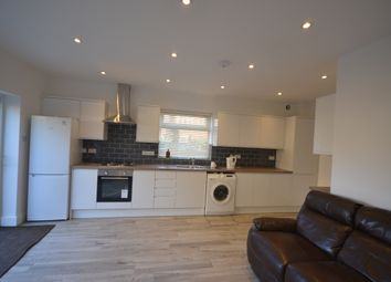 5 bed property to rent in Colindale Avenue, London NW9