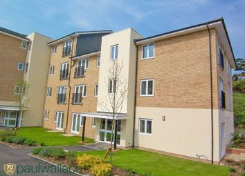 2 bed flat to rent in Waterfall Close, Hoddesdon EN11
