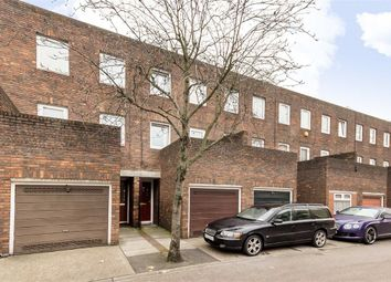 3 bed property for sale in Kemps Drive, London E14
