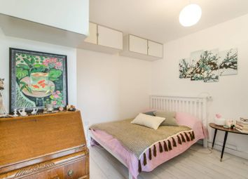 1 bed flat for sale in Mapleton Road, Wandsworth, London SW18