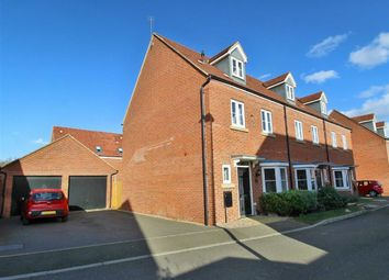 Thumbnail 4 bed town house to rent in Heston Walk, Oxley Park, Milton Keynes