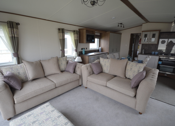 Faversham Road, Seasalter, Whitstable CT5. 2 bed lodge for sale