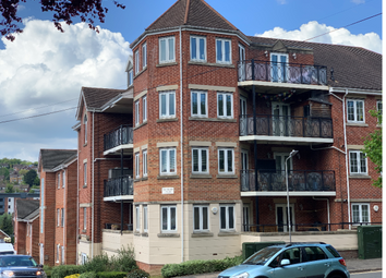 Thumbnail Room to rent in Hamilton Road, High Wycombe