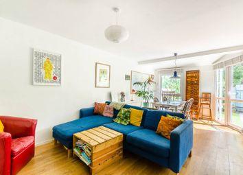 2 bed maisonette to rent in Rochford Walk, London Fields, London E8