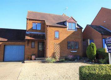 Thumbnail 4 bed link-detached house for sale in Willes Close, Faringdon, Oxfordshire