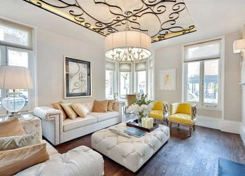 Thumbnail 3 bedroom flat for sale in Cunningham Court, London