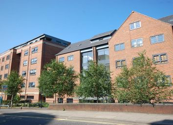 Thumbnail 2 bed flat to rent in Forbury Road, Reading