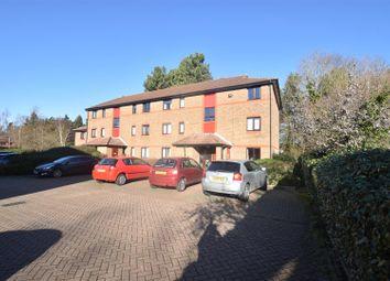 Thumbnail 1 bedroom flat to rent in Oakside Court, Horley