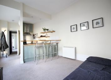 Thumbnail 1 bedroom flat to rent in Kingsland Road, London