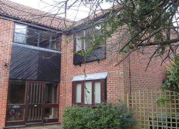 Thumbnail Studio to rent in Parsley Close, Earley, Reading