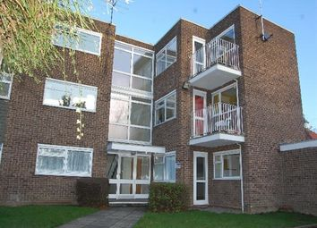 Thumbnail 2 bed flat to rent in St. Johns Road, Harpenden