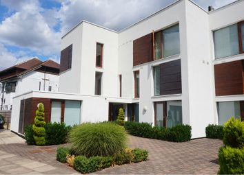 Thumbnail Studio to rent in Rivermead Close, Teddington