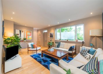 Thumbnail 5 bed property for sale in Holly Street, Hackney, London