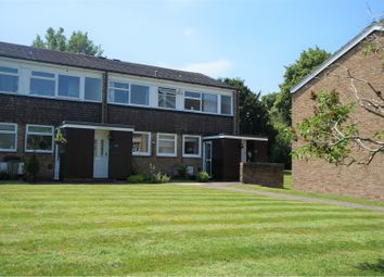 Thumbnail 2 bed flat to rent in Somers Road, Reigate