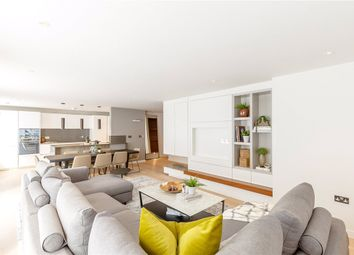 Thumbnail 3 bed flat for sale in Cardigan House, Ailesbury Court, Marlborough, Wiltshire