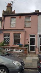 Thumbnail Studio to rent in Waverley Crescent, London