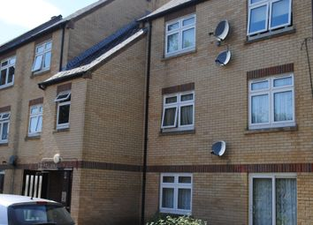 2 bed flat to rent in Crossbrook, Hatfield AL10