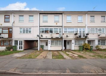 Thumbnail 3 bed town house for sale in Long Riding, Basildon