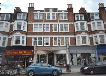 Fortis Green Road, Muswell Hil, London N10. 3 bed flat
