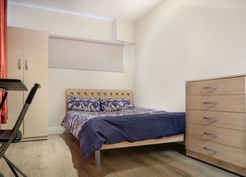 Room to rent in Saltwell Street, Canary Wharf London E14