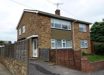 Thumbnail 3 bedroom shared accommodation to rent in Westlands Avenue, Burnham, Slough