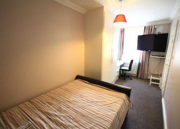 Room to rent in Frogmore Avenue, Hayes UB4