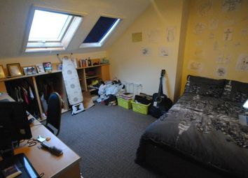 Thumbnail 7 bed terraced house to rent in Estcourt Terrace, Headingley