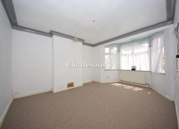 Thumbnail Room to rent in Brooks Parade, Green Lane, Goodmayes, Ilford