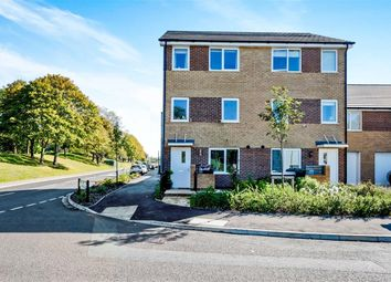 Thumbnail 4 bedroom town house for sale in Falcon Meadows Way, Gosport