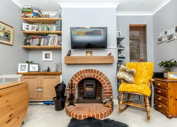 Chesham Close, Goring By Sea, West Sussex BN12. 2 bed flat for sale