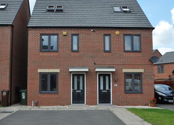 3 bed town house for sale in Pembrey Gardens, Ettingshall Place, Wolverhampton WV2