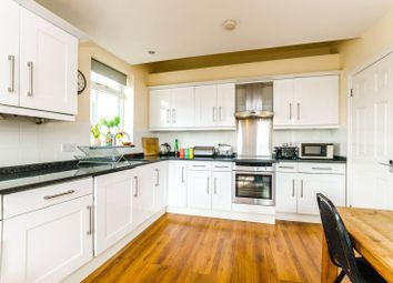Thumbnail 2 bed flat for sale in Queens Lane, Muswell Hill