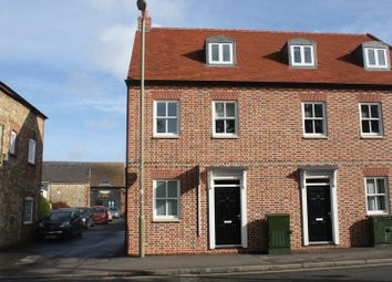 Thumbnail 2 bed flat to rent in Whitehound, Thame
