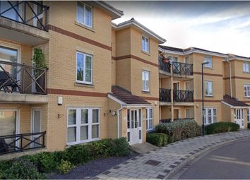 2 bed flat to rent in Marathon Way, Thamesmead, London SE28