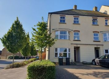 Thumbnail 3 bed town house to rent in Broadview Close, Ashford