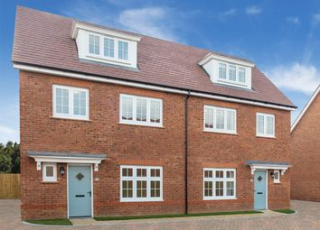 Thumbnail 4 bed town house for sale in Aberford Road, Wakefield